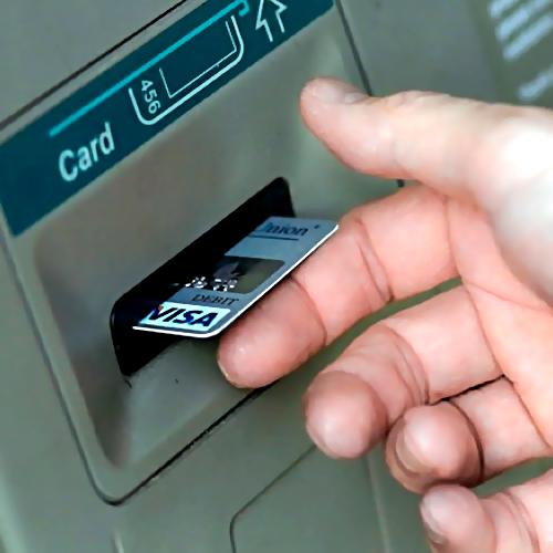 Туляк похитил сбанковской карты пенсионера 15 тыс. руб.