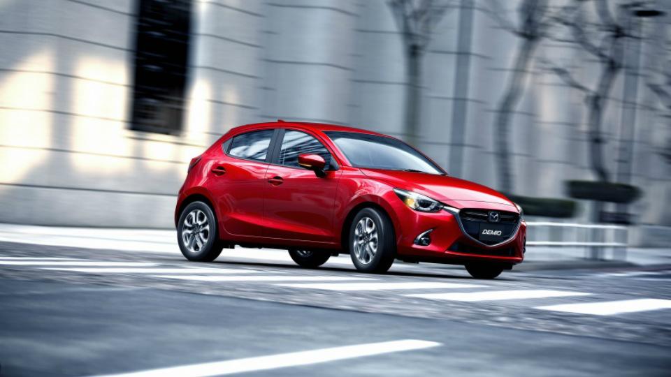 Mazda обновила двойку и кроссовер CX-3