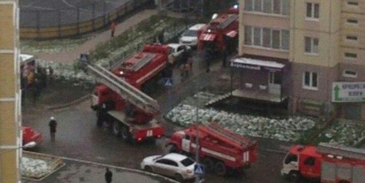 ВЗареке пожарные спасли изгорящей квартиры четырех человек