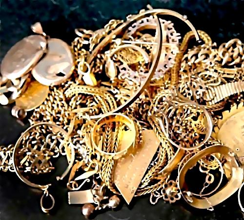 Рецидивистом украдены ювелирные изделия на217000 руб.