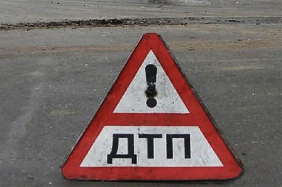 Влобовом ДТП под Саратовом умер 25-летний шофёр