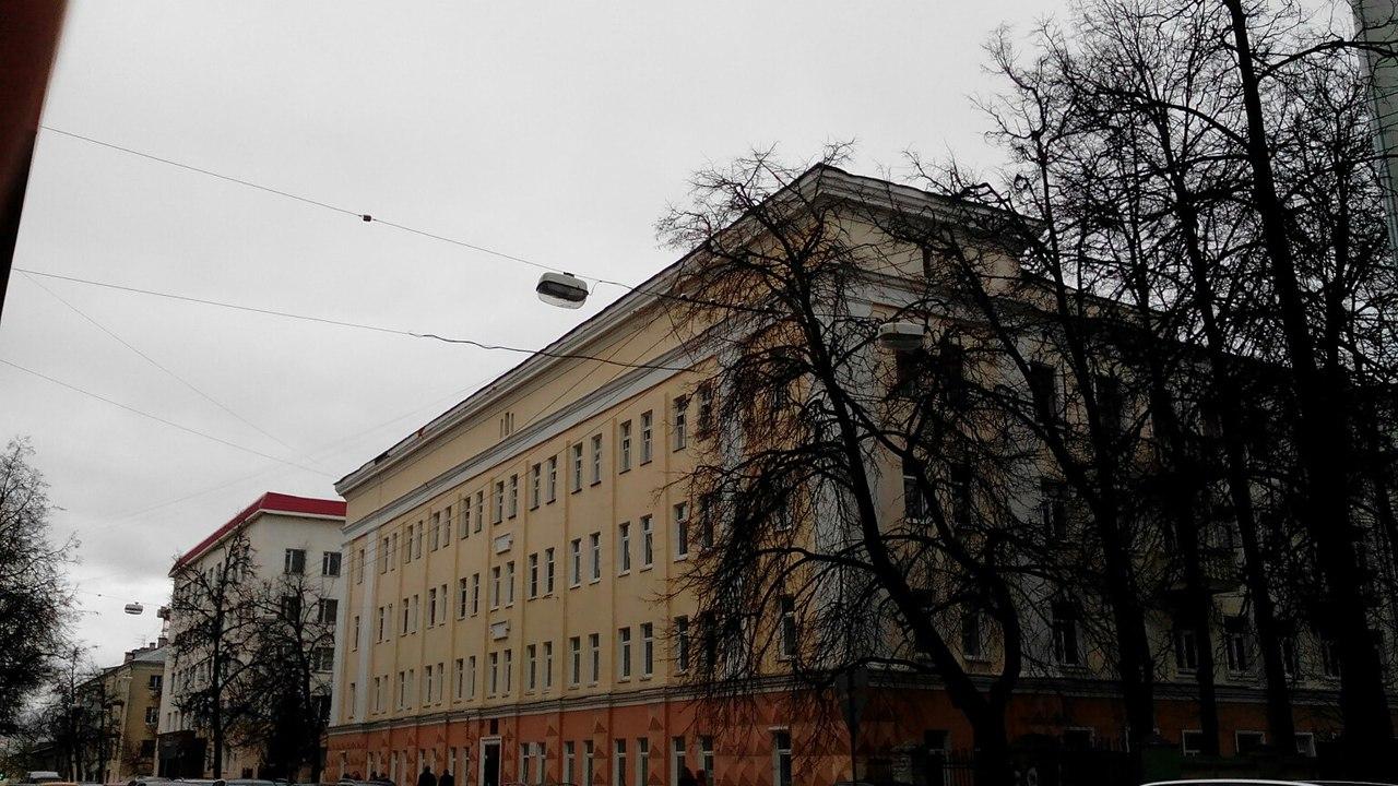 Школа-интернат вцентре Нижнего Новгорода загорелась днем 20октября