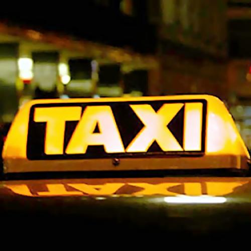 ВТюмени пассажирка угнала такси, пока шофёр разменивал деньги вмагазине