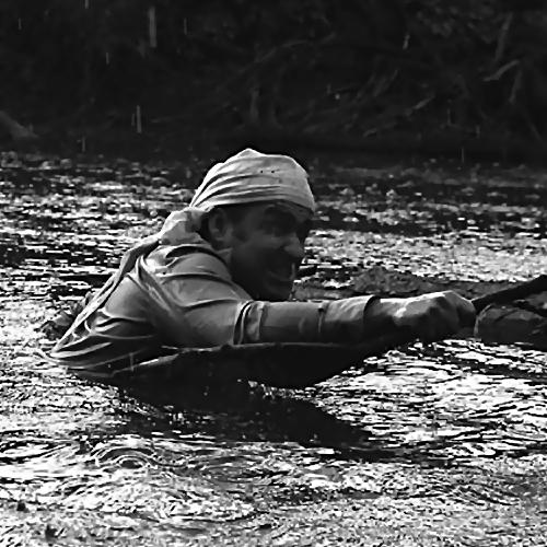 ВЗеленограде мужчина оступился ирухнул возеро