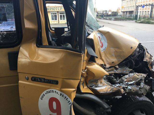 Газель врезалась вавтобус: пострадали 4 человека