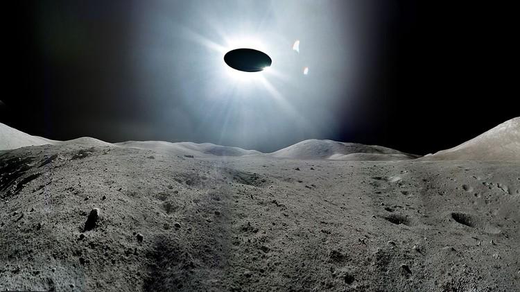 Астроном-любитель снял навидео два НЛО наЛуне
