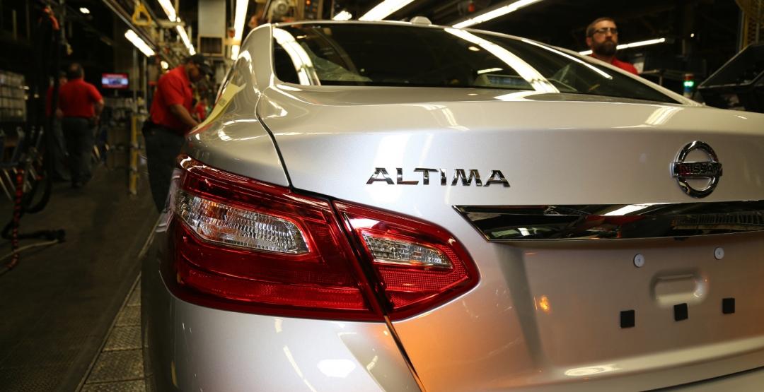 Обновлённый седан Nissan Altima 2016 официально встал на конвейер