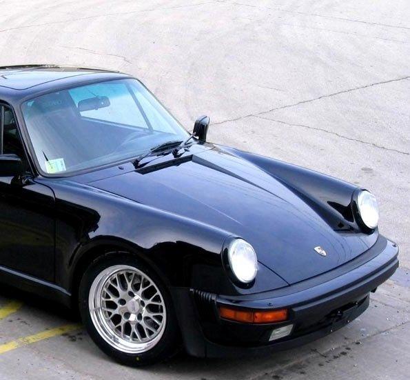 Porsche представил 930-ю модель спорткара 1977-го года выпуска