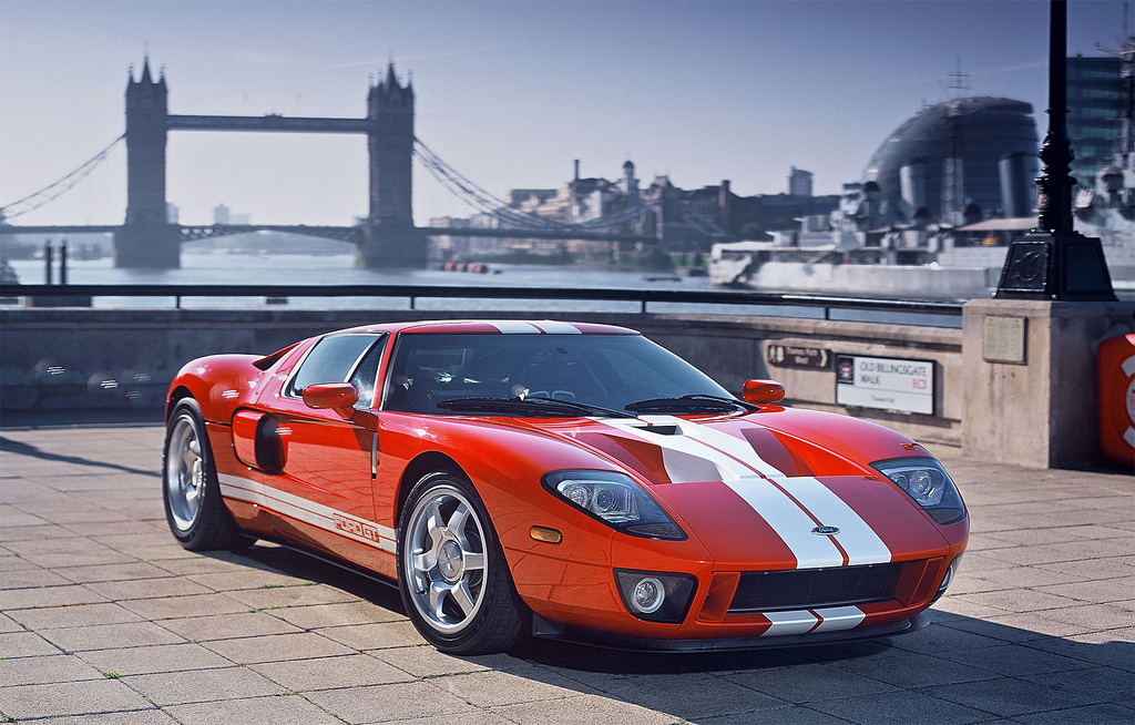 Форд представил сверхлегкий суперкарGT