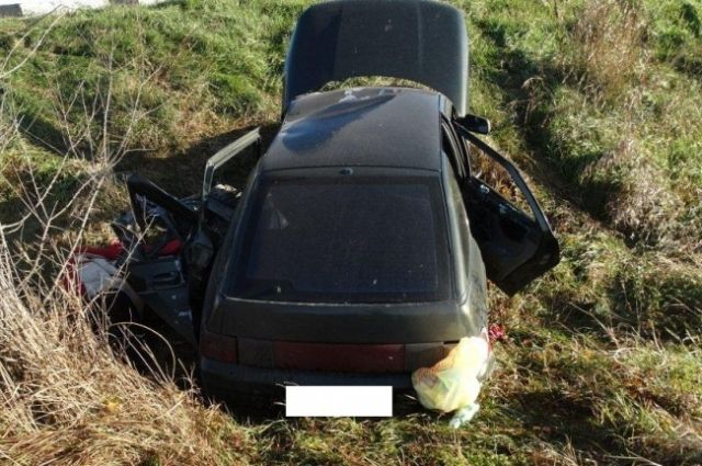 ВКочубеевском районе легковушка влетела вотбойный брус: есть жертва