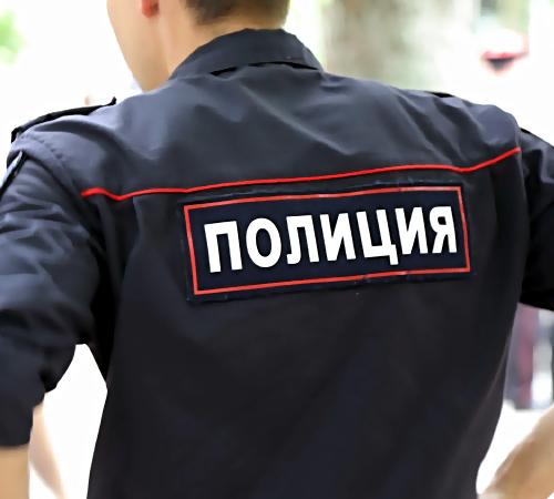 ВНижнекамске мужчина сломал бутылкой челюсть полицейскому, снимавшему его навидео