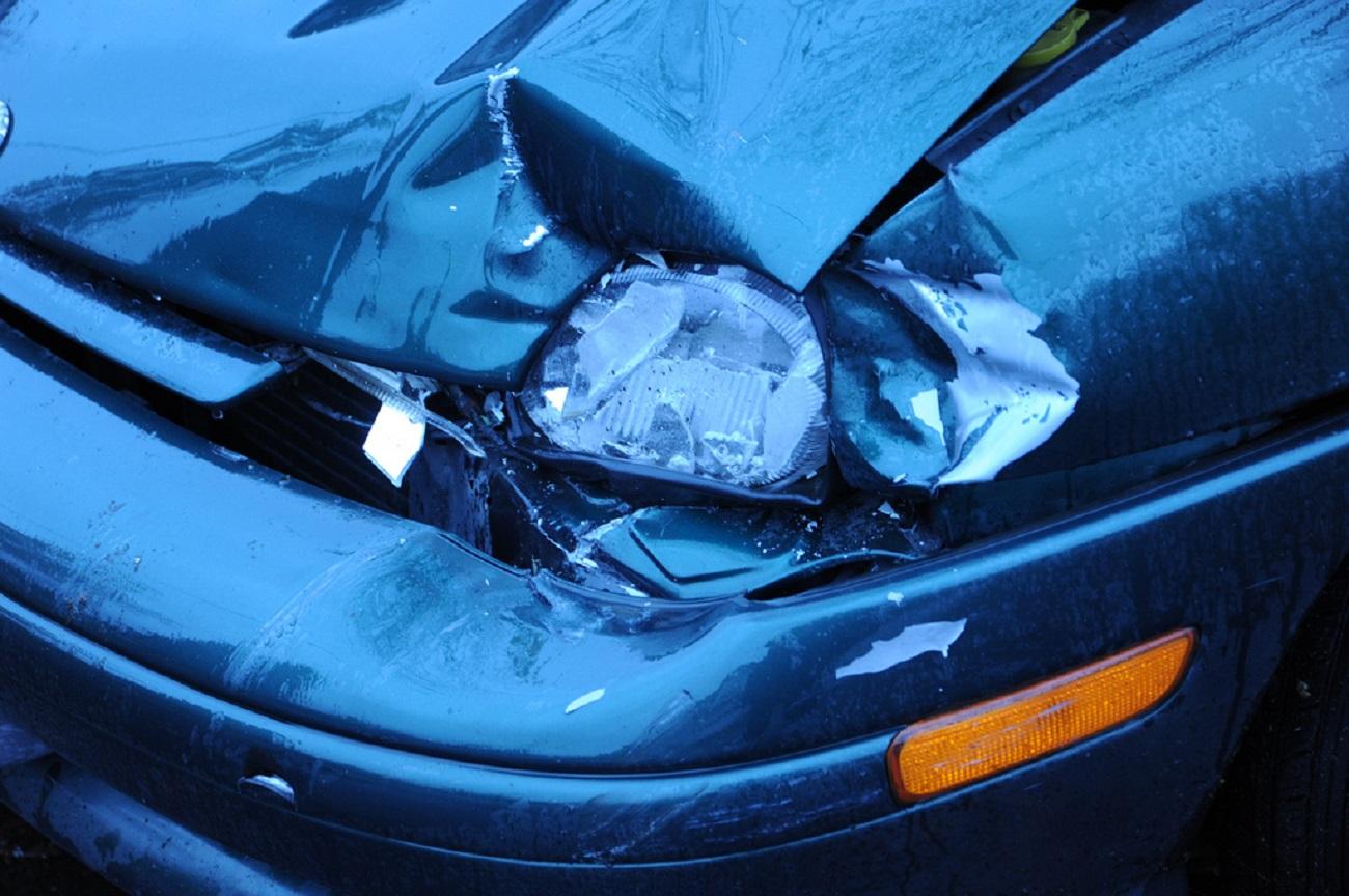 ВСтаврополе вДТП сКамАЗом пострадала автоледи на«Мерседесе»