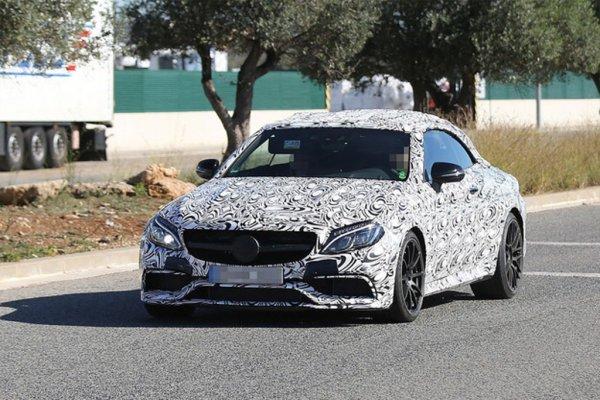 Mercedes вывел на тесты кабриолет AMG C63