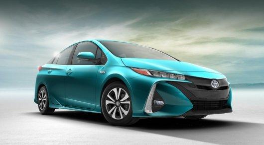 К 2020-ому Тойота запустит массовое производство электромобилей