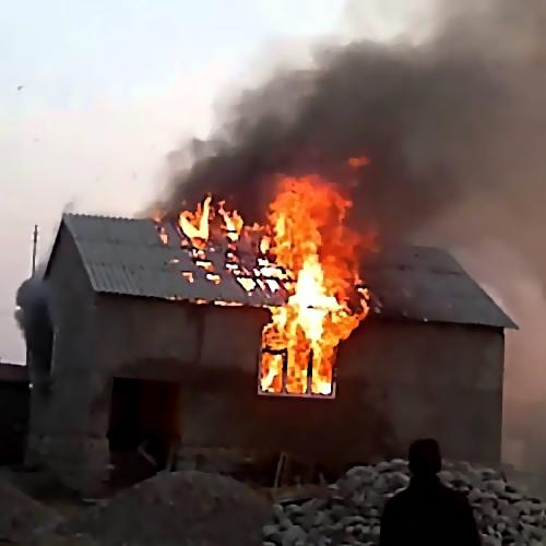 Один человек умер напожаре вБелокалитвинском районе