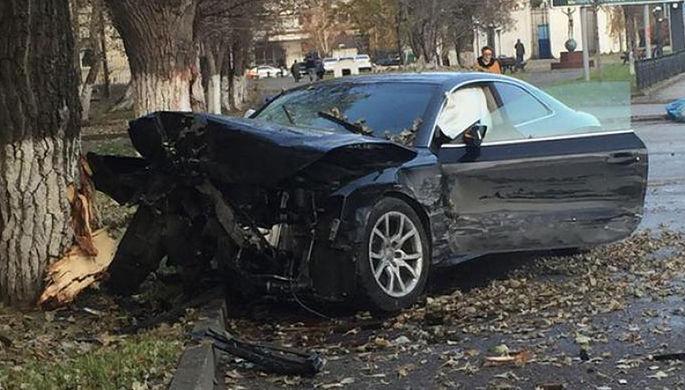 ВНовороссийске вДТП Mercedes покалечил мать с сыном и исчез