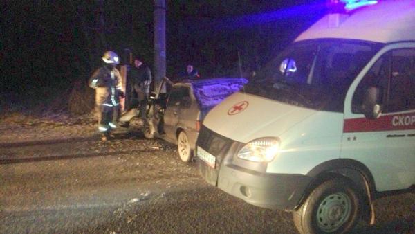 Вечерняя авария вИсакогорке унесла жизнь 18-летнего водителя