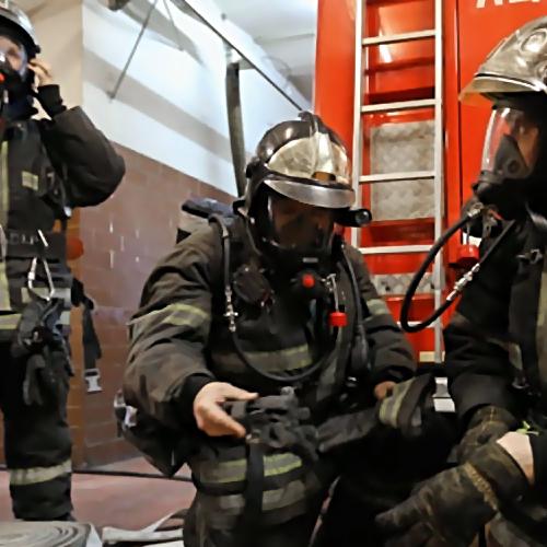 Возгорание вторгово-развлекательном центре тушили вТаганроге