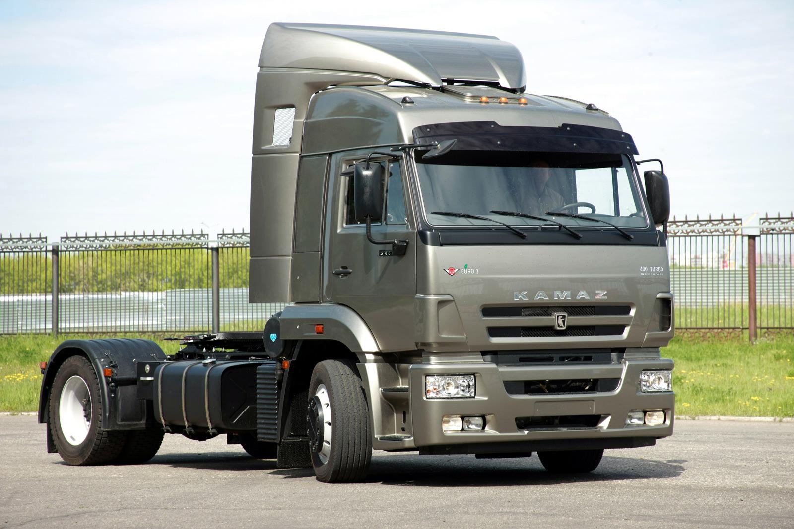 За10 месяцев «КАМАЗ» реализовал 25000 автомобилей. прибыль компании— 91 млрд. руб.