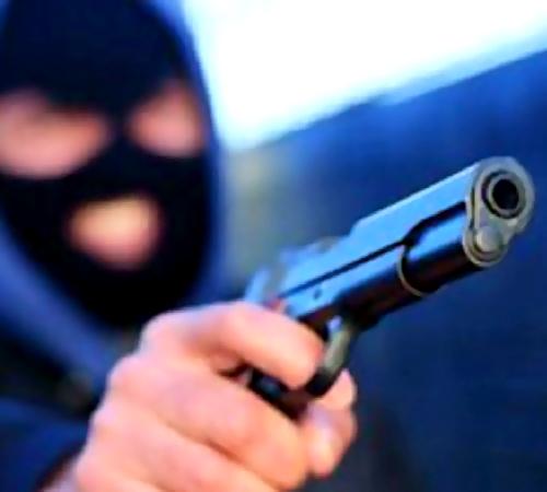 Милиция ищет налетчиков, ограбивших сотовый салон вНовокузнецке на300 тыс.