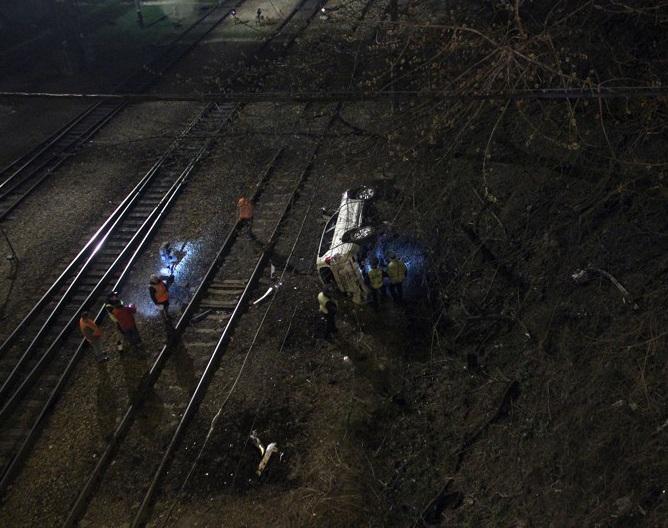 ВоВладивостоке девушка разбилась наавтомобиле, гоняя поночному городу