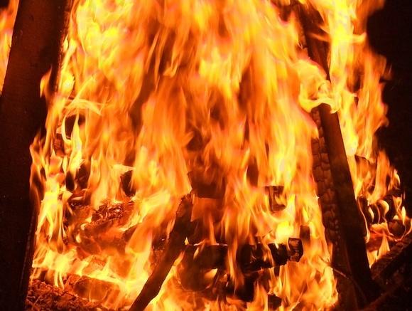 Назападе столицы в итоге пожара вквартире умер человек