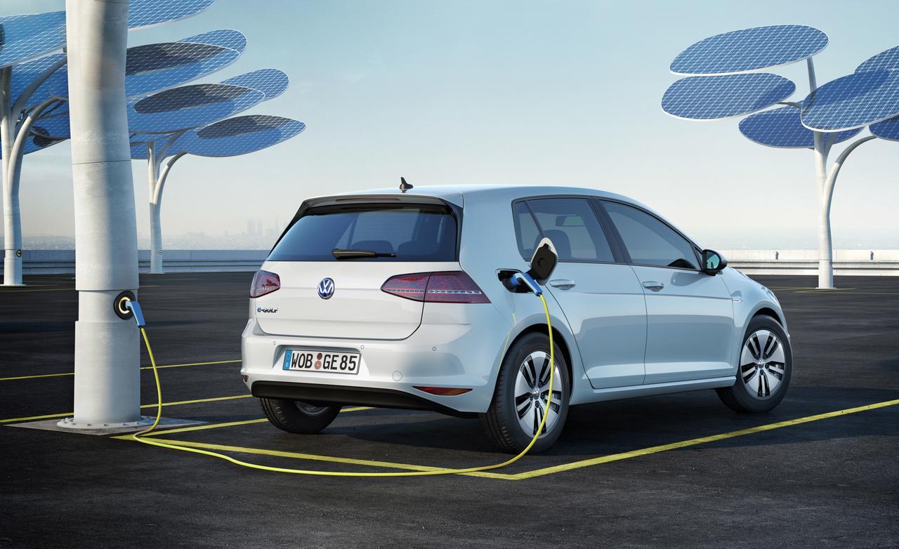 Фольксваген вЛос-Анджелесе представит улучшенный электромобиль e-Golf