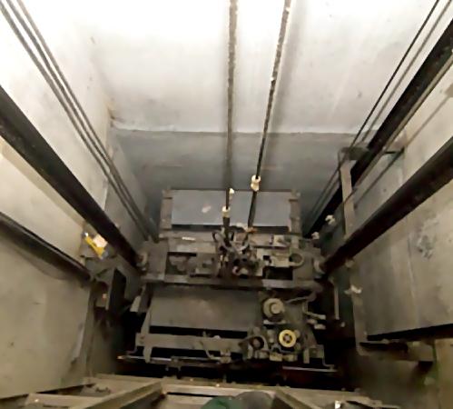 ВКазани водном издомов напроспекте Ямашева упал лифт