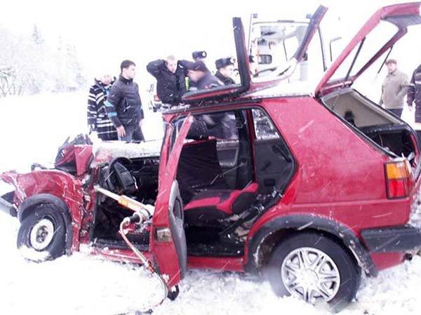 ВРославльском районе вДТП пострадал девятнадцатилетний шофёр «Гольфа»