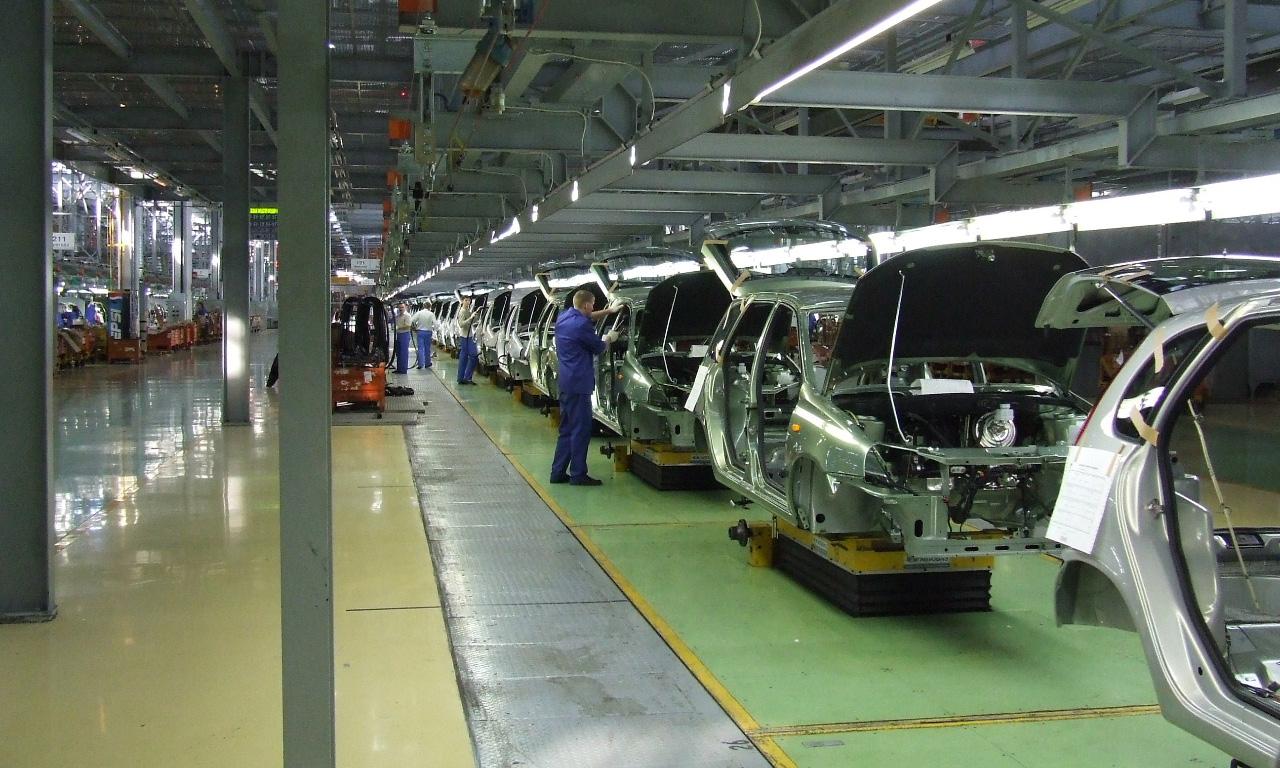 Выпуск легковых авто вРФ за10 месяцев снизился на11%