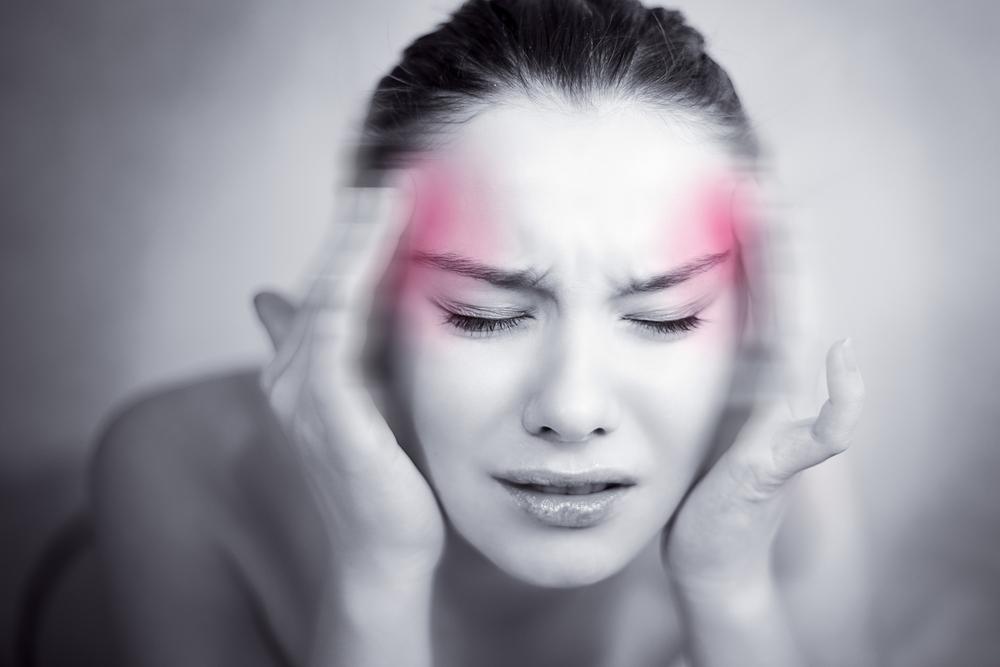 Ученые: Мигрень уженщин часто тянет засобой инсульт