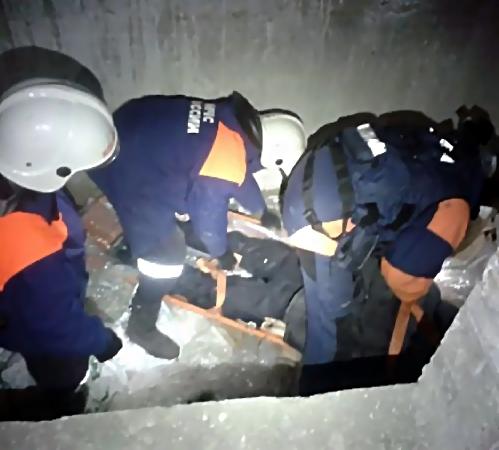 Человек умер, упав вшахту лифта строящегося здания вКазани