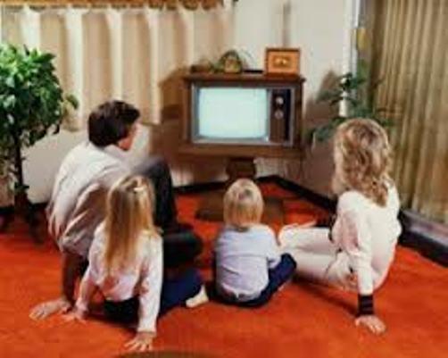 Ученые поведали, как телевизор превращает людей врастение