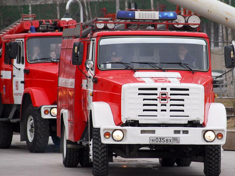Два человека погибли впроцессе пожара вжилом доме вПетербурге