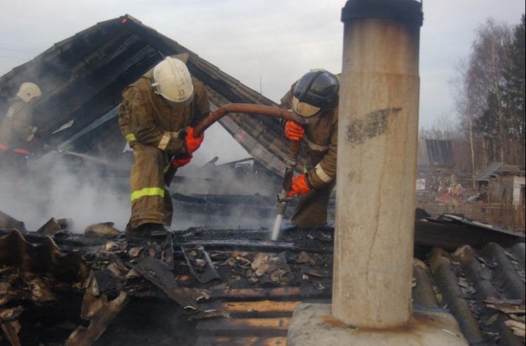 Огнеборцы потушили интенсивный пожар вжилом доме вгороде Сортавала вКарелии