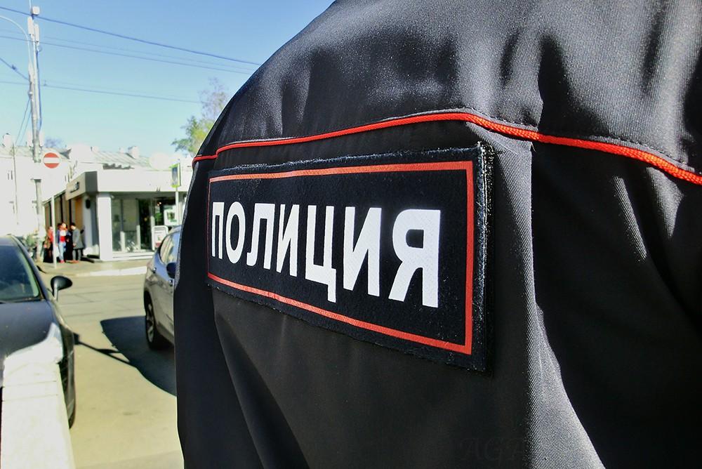 ВКазани изавтобуса находу выпала женщина с4-летним сыном