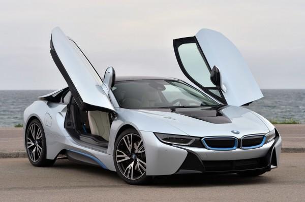BMW опровергла выпуск новой модели в честь 100-летия компании