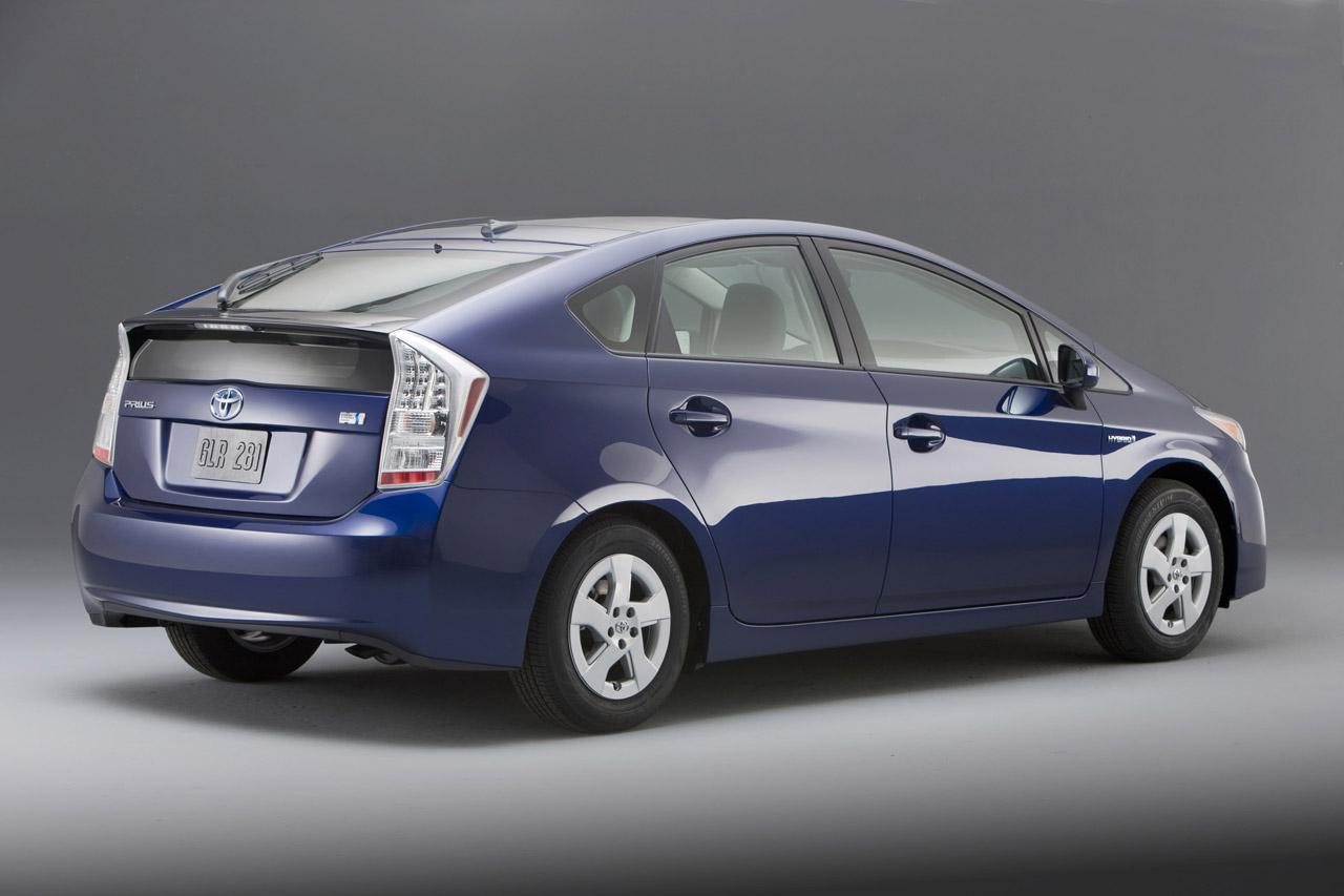 Тойота Prius и Лексус CT— самые надежные автомобили США
