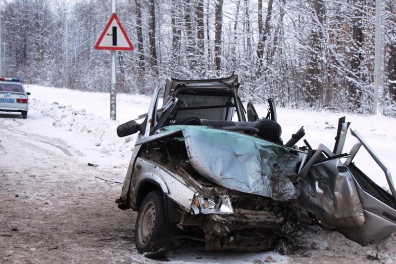 ВЧебоксарах нетрезвый шофёр Лексус устроил ДТП сосмертельным исходом