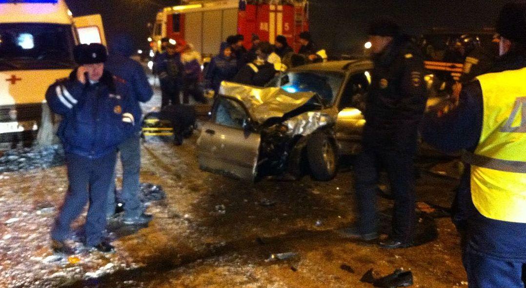 Тойота и Сузуки столкнулись наулице Олега Кошевого вИркутске