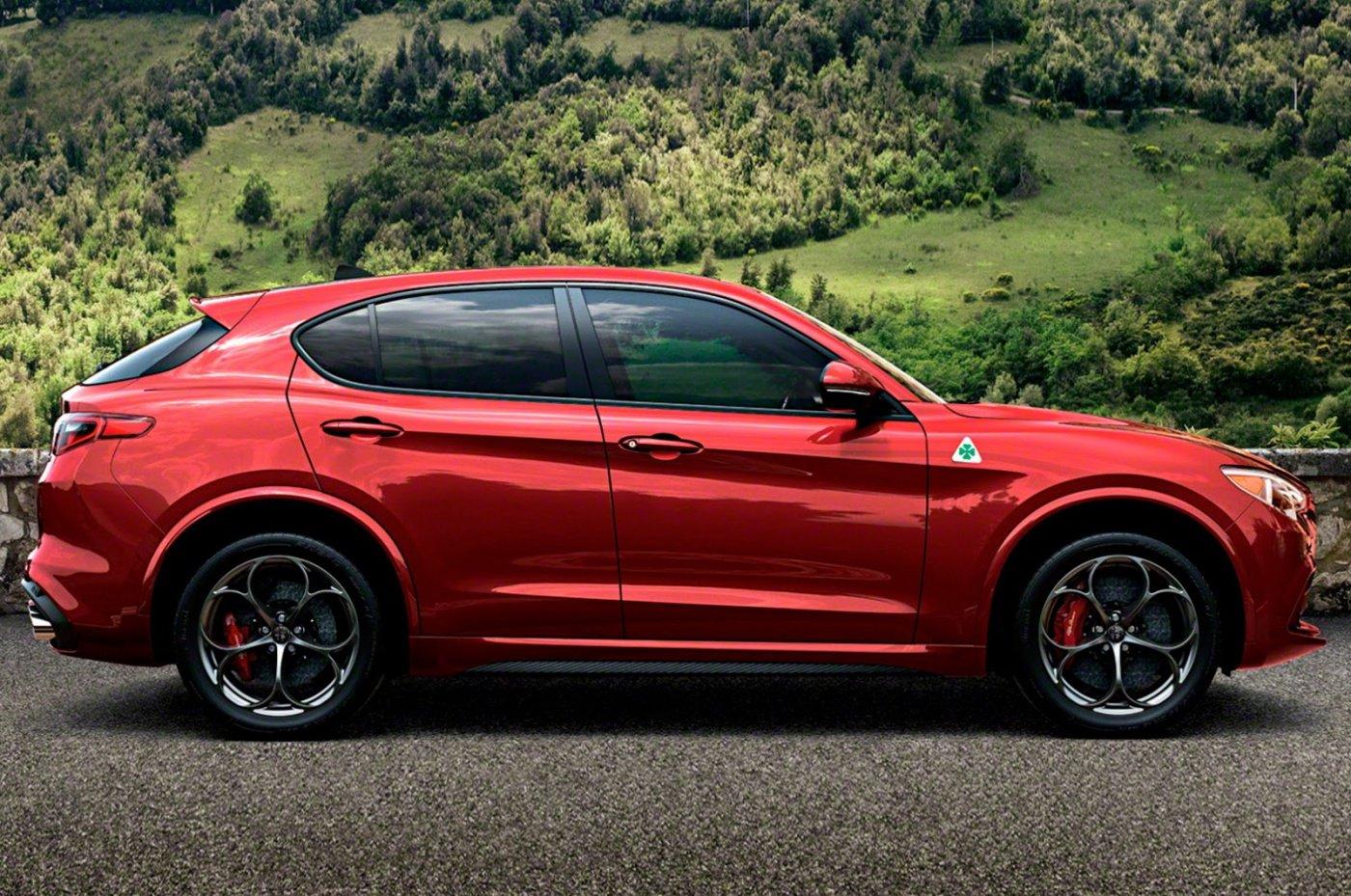 Появились первые фотографии люксового джипа Alfa-Romeo Stelvio