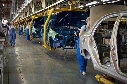 Производство автомобильного транспорта вгосударстве Украина уменьшилось практически натреть