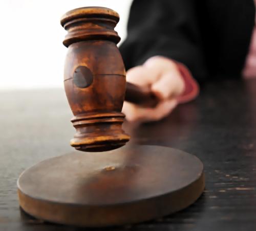 Руководитель алтайского муниципалитета уклонялся отналогов инеплатил заработную плату