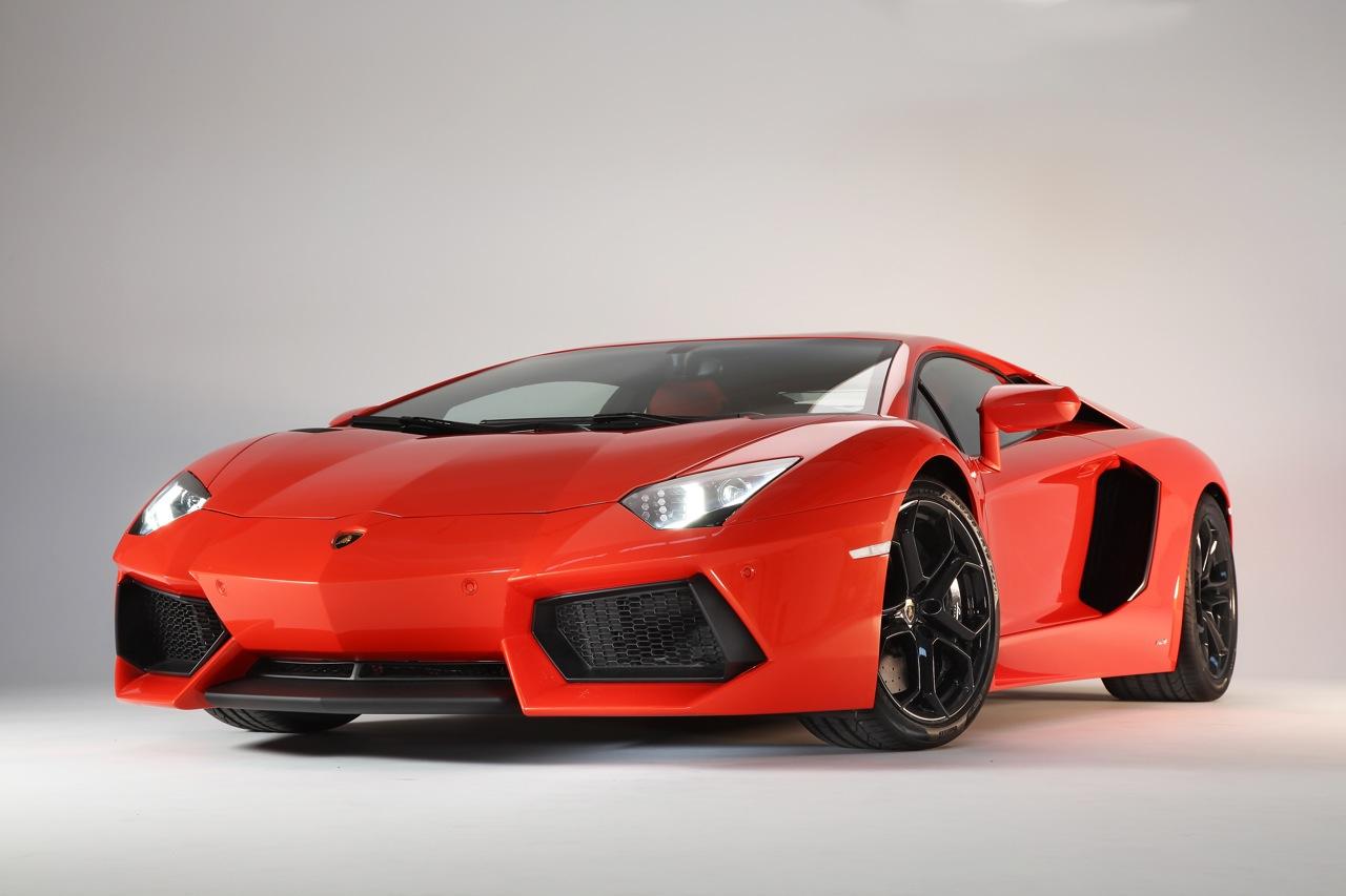 Обнародованы первые изображения улучшенного Lamborghini Aventador S