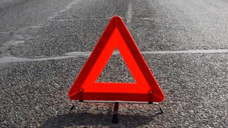 Фургон насмерть сбил пешехода натрассе вЛенобласти