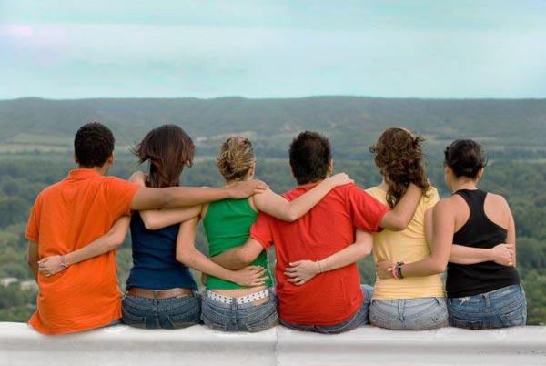 Ученые уверяют что новые знакомства положительно влияют на здоровье