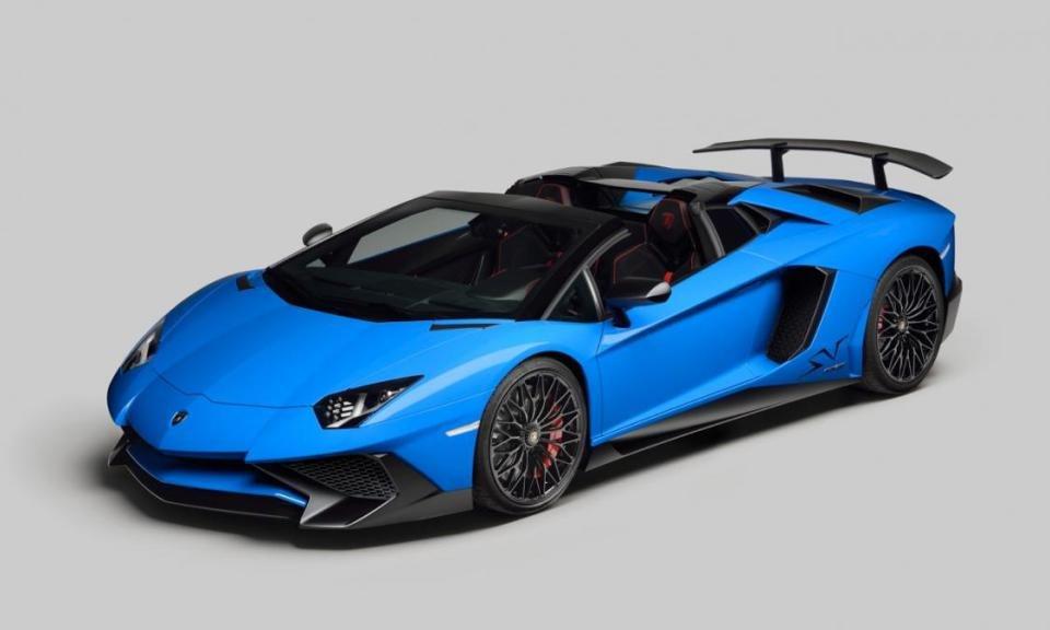 Lamborghini отказался от заднеприводной версии спорткара Aventador