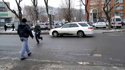 ВСаратове 11-летний школьник попал под колеса иномарки