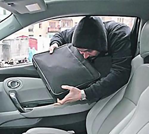 15 тыс. евро украли у предпринимателя вПетербурге