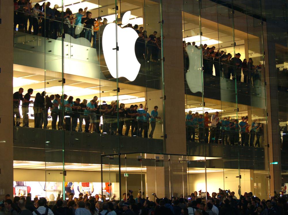 Гендиректор Apple проинформировал о выходе нового компьютера